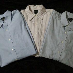 ✔Jos A Bank bundle of 3 dress shirts